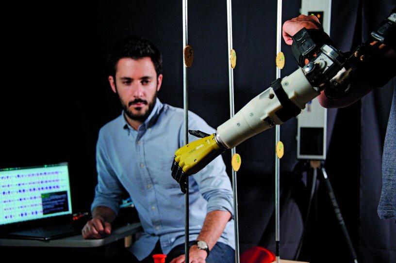 Bras robot © Inserm / François Guénet