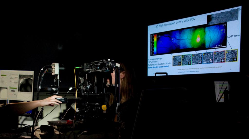 Système de tomographie en cohérence optique (OCT) ©Inserm/François Guénet