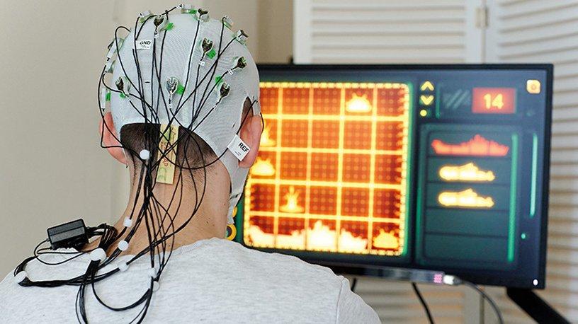 """Un sujet teste un jeu vidéo pour les besoins de l'essai """"Mind Your Brain"""""""